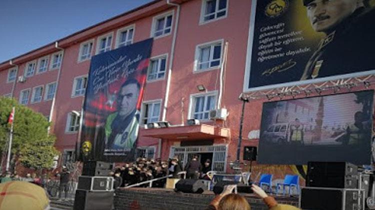 Öğrenciler Kahraman Şehit Polis Fethi Sekin'i Andı
