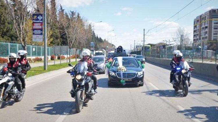 Başkan Mergen makam aracını Şehit kardeşine gelin arabası yaptı
