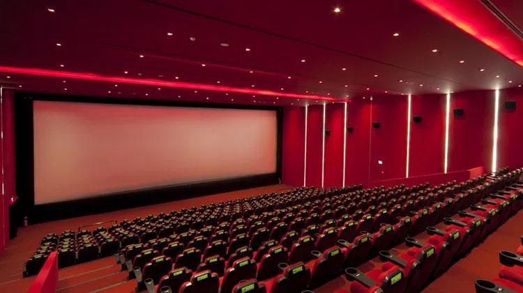 Yapımcı – Sinema Salonu Tartışmalarına Farklı Çözüm