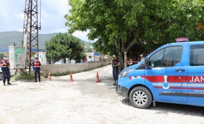 Karantinaya alınan 5 bin nüfuslu köyde denetimler sürüyor