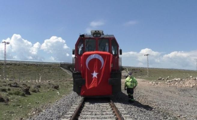 Kars Lojistik Merkezi'ne ilk tren geldi