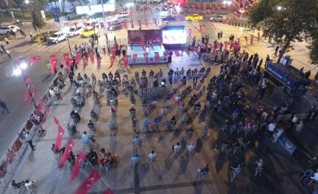 15 Temmuz'un yıl dönümünde Gaziosmanpaşa'da demokrasi nöbeti