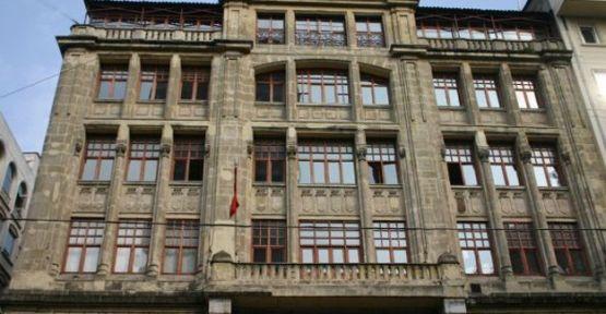 167 yıllık Beyoğlu Anadolu Lisesi'nde karma eğitim sona eriyor