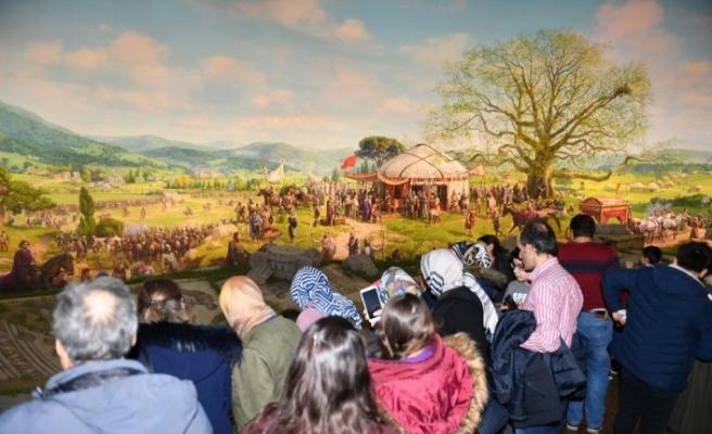 800 bin kişi tarih yolculuğuna çıktı