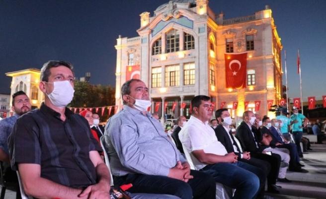 Aksaray'da 15 Temmuz darbe girişimi lanetlenerek şehitler anıldı