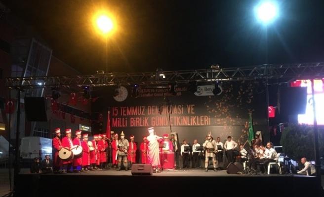 Beykoz'da demokrasi kahramanları türkülerle anıldı