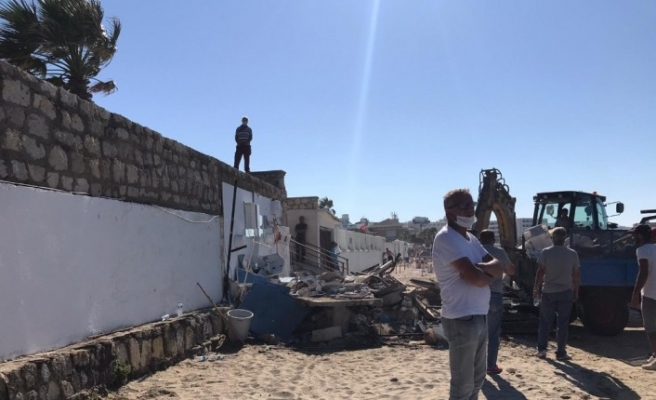 CHP'li belediyeden keyfi yıkım