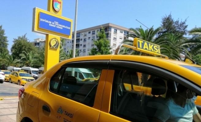 İzmir'de taksiler için şikayet ve öneriler kayda alınıyor