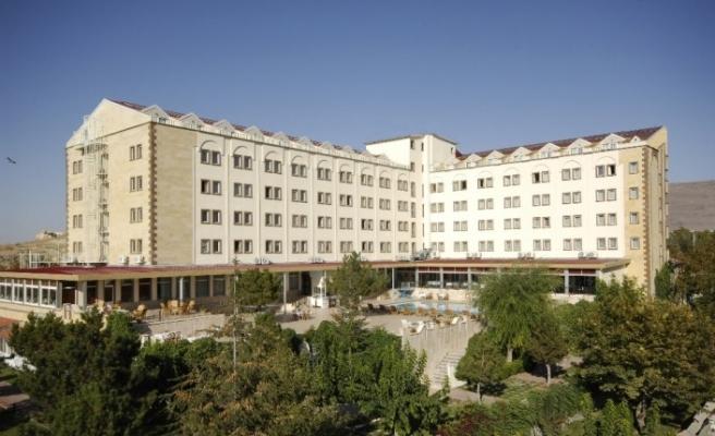Kapadokya'nın ilk 5 yıldızlı 'Güvenli Turizm Sertifikası'nı Dinler Hotels aldı