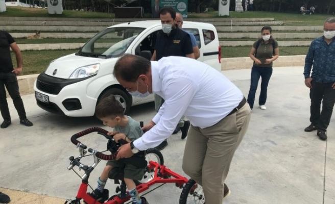Küçük Efe özel bisikletine kavuştu