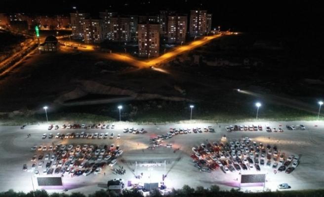 Nevşehir'de arabalı sinema keyfi devam ediyor