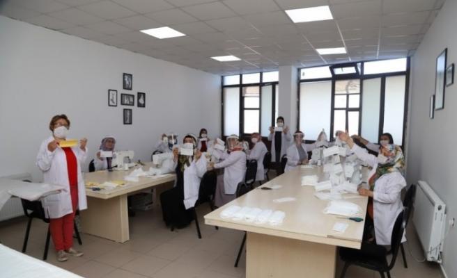Nevşehir'de işitme engelliler ve çocuklar için özel maske üretiliyor