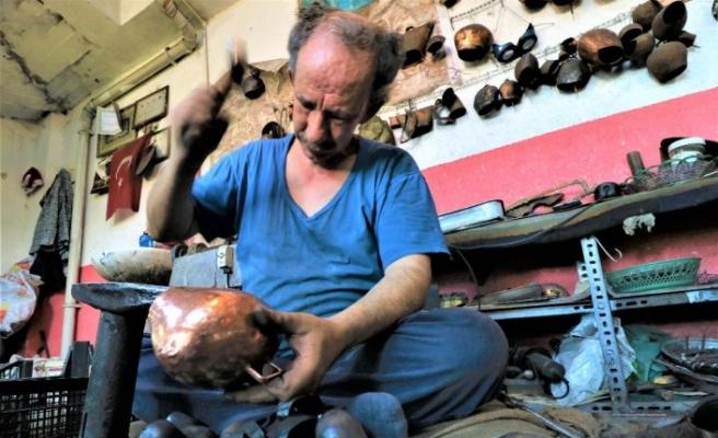 (Özel) Dedelerinin esir düşüp çancılığı öğrendiği Yunanistan'a şimdi çan ihraç ediyorlar