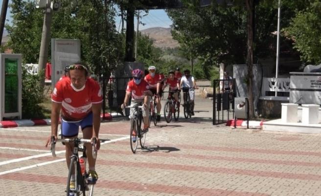 Pedallar 15 Temmuz şehidi Ömer Halisdemir için çevriliyor