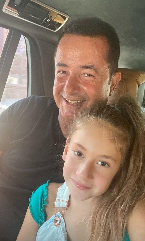 Acun Ilıcalı'dan Mutlu Baba-Kız Karesi!