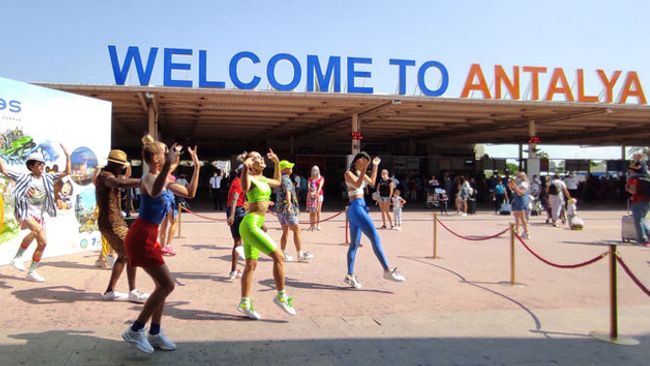 Antalya'ya bugün turist yağacak