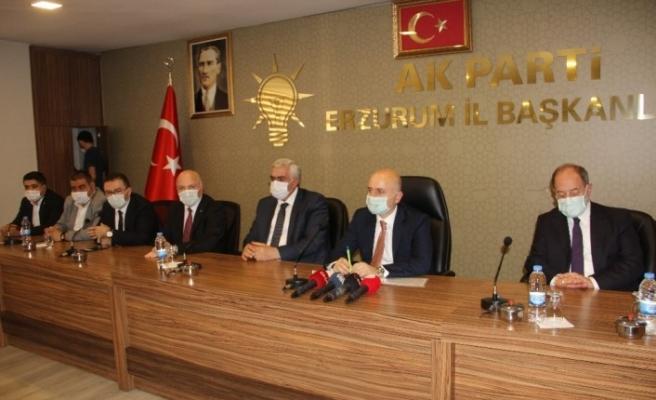 Bakan Karaismailoğlu Erzurum AK Parti İl Başkanlığı'nı ziyaret etti