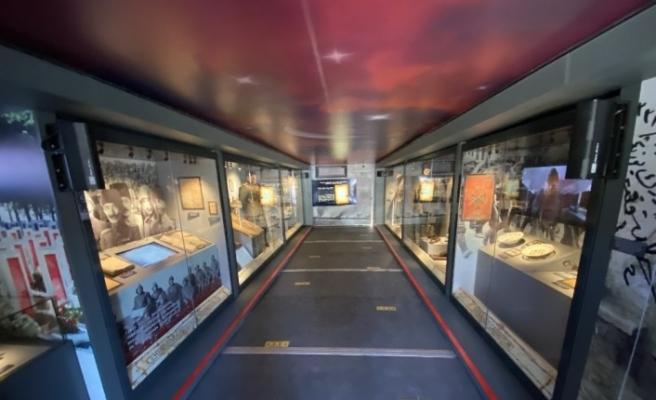Çanakkale Savaşları Mobil Müzesi'ni gezen duygulandı