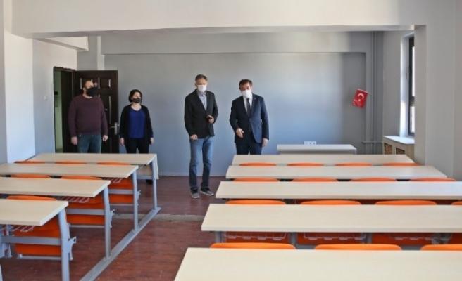Çankırı Karatekin Üniversitesinden öğrencilere 'amfi derslikleri' açma teklifi