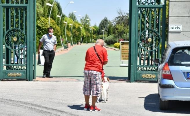 Eskişehir'in dünyaca ünlü parklarında evcil hayvan yasağı tepki çekiyor