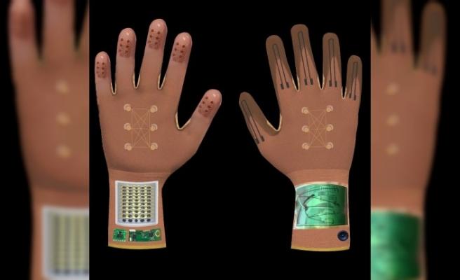 Görme engelliler, renk ve bedendeki giysileri artık rahatlıkla akıllı eldiven ile seçecek