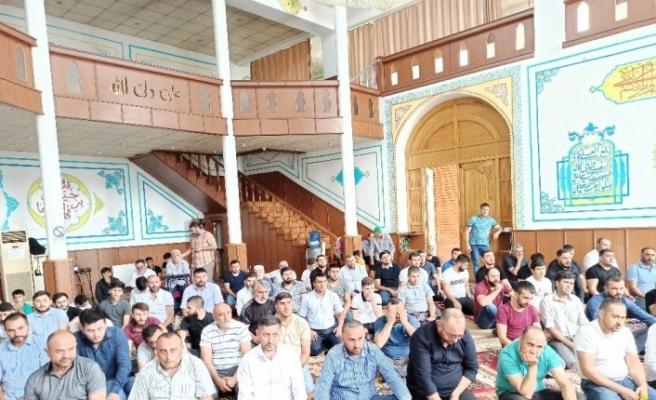Gürcistan'da Kurban Bayramı namazı kılındı