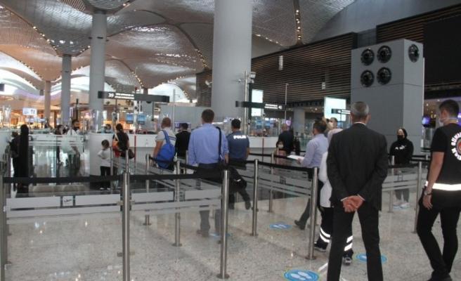 İstanbul Havalimanı'nda korona virüs denetlemesi