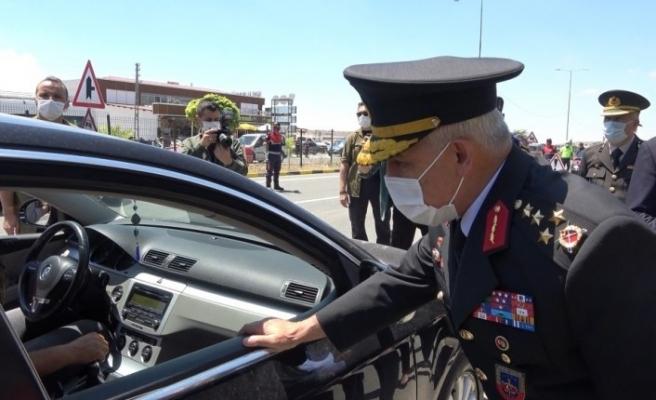 Jandarma Genel Komutanı Orgeneral Çetin trafik denetimine katıldı