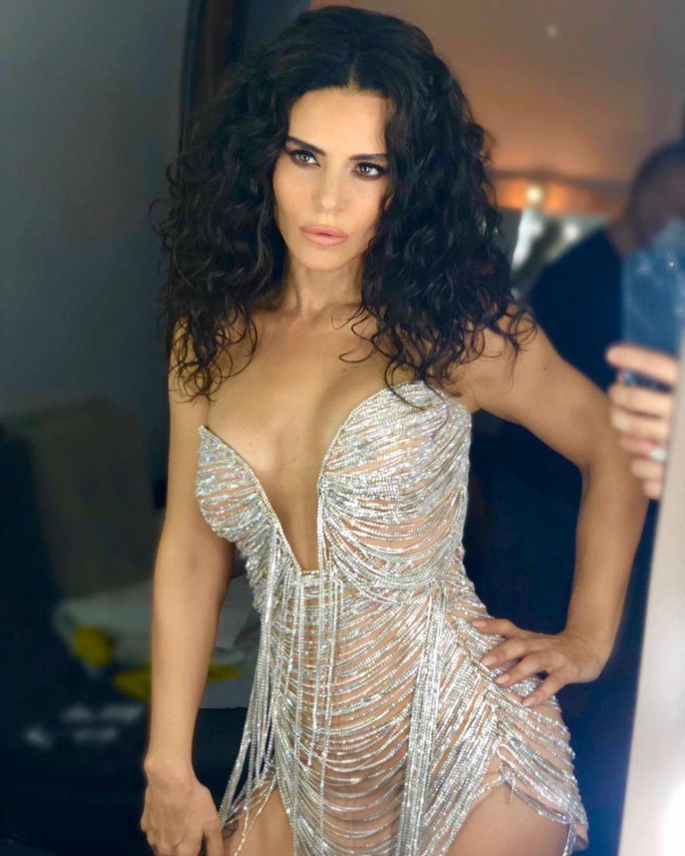 simge sağın seksi elbise