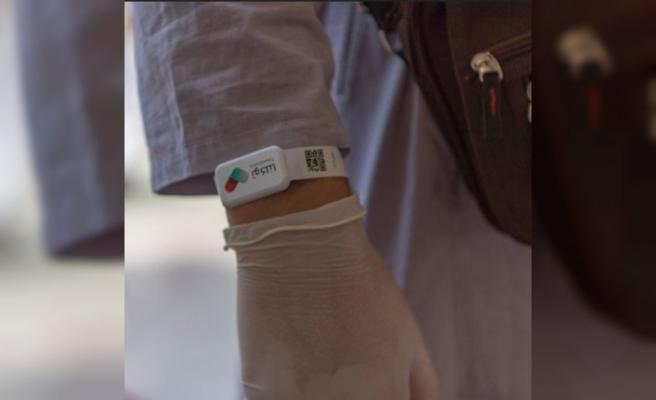 Suudi Arabistan'da hacı adayları elektronik bileklikle takip ediliyor