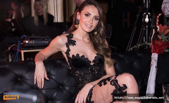 Tatile Çıkan Emina Jahovic Giydiği Bikini İle Dudak Uçuklattı!