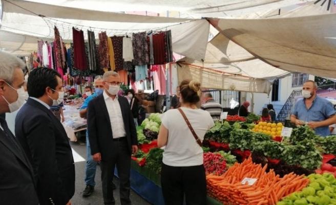 Üsküdar Belediye Başkanı Türkmen maske takana ayrıcalık istedi esnaf kabul etti