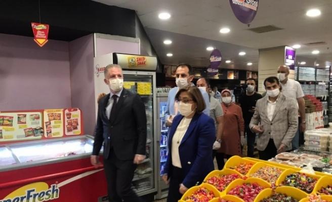 Vali Gül ve Başkan Şahin'den maske ve sosyal mesafe denetimi