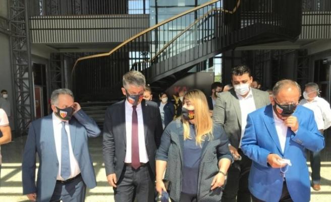AK Partili Özhaseki'den Kayserispor'a maç öncesi moral ziyareti