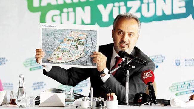 Alinur Aktaş Bursa'da 20 bin konutluk dönüşüme başladıklarını açıkladı: 'Hormonlu büyümeyi yıkarak güzelleştireceğiz'