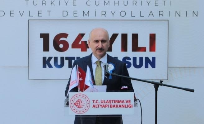 """Bakan Karaismailoğlu: """"Yeni İpek Yolu'nun en önemli geçişi, bölgemizin lojistik süper gücü olacağız"""""""