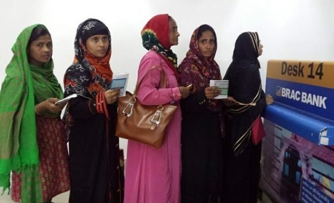 Bangladeşli hizmetçi kadınlara Suudi Arabistan'da yapılan işkenceler ülke gündeminde
