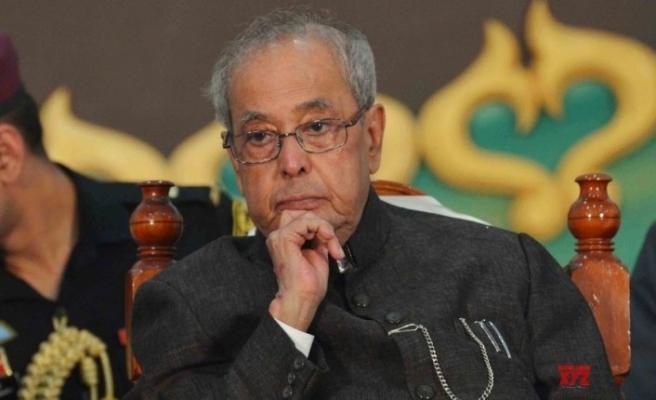 Bangladeş'te eski Hindistan Devlet Başkanı Mukherjee için yas ilanına tepki