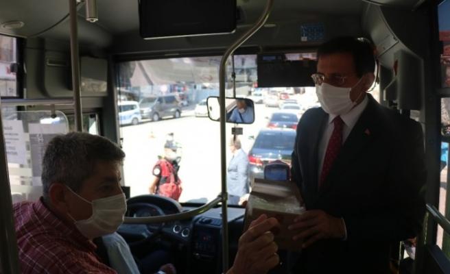 Bolu Valisi Ahmet Ümit, şehir içi otobüslerde korona virüs denetimi yaptı