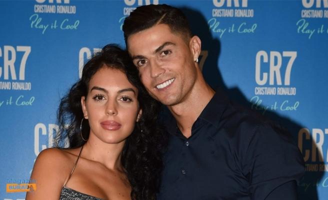 Cristiano Ronaldo'nun Eşinden Mutlu Aile Pozu