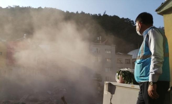 Dereli ilçesinde selin başladığı noktadaki bina yıkım ekipleri tarafından yıkıldı