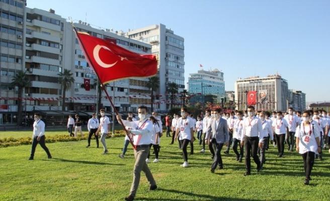 Devlet Bahçeli'nin talimatı sonrası ülkücü gençler 12 ada için yürüdü