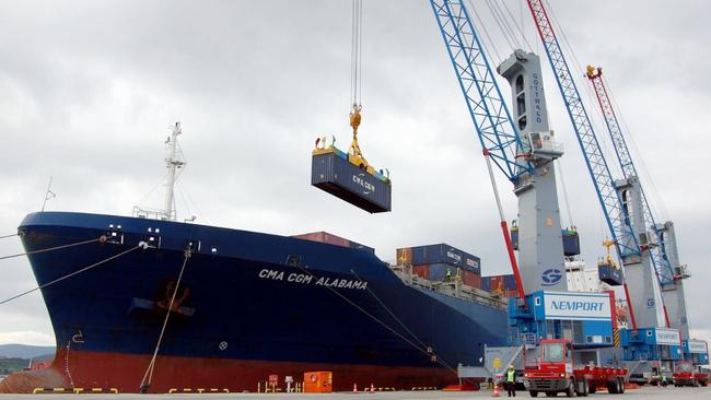 Dış ticaret, temmuzda 2,7 milyar dolar açık verdi