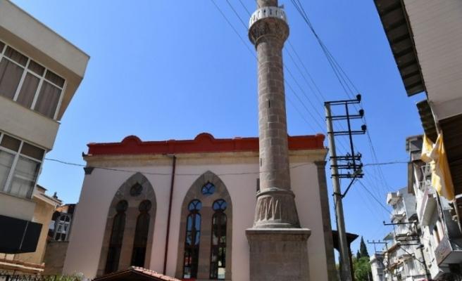 Edremit'te 169 yıllık cami restorasyonu tamamlanarak sade bir törenle hizmete açıldı