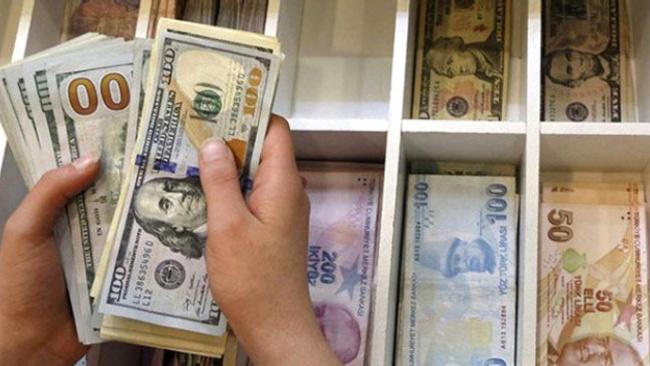 Faiz kararı frenletti ama... Dolar, Euro yine kritik sınırda!