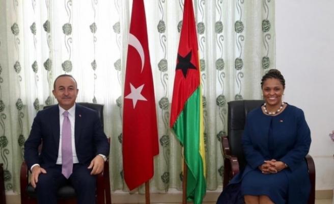 Gine Bissau'da FETÖ iltisaklı okul Türkiye Maarif Vakfına devredilecek