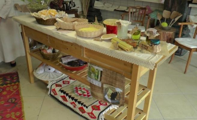 Gönül Elleri Çarşısı, Organik Pazar'da ekolojik ürünler ile yerini aldı
