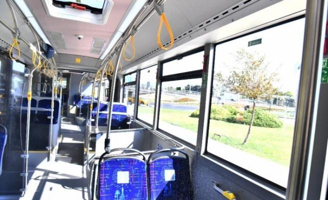 Güvenli otobüs İzmir'de hizmete alındı: Ateş ölçüyor, maskesiz yolcuları uyarıyor