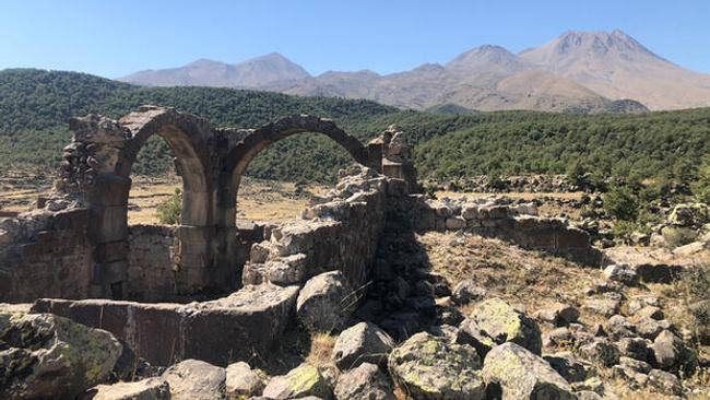 Hasan Dağı'nın gölgesinde bir mahsun ören: Viranşehir/Mokisos Antik Kenti 2020 Arkeolojik Çalışmaları