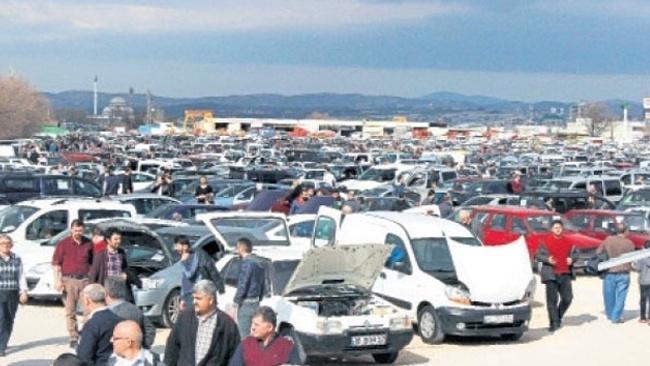 İkinci el otomobilde fiyatlar düşer diye bekleyenlere kötü haber